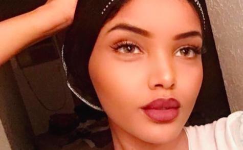 Une candidate des Miss USA défile en hijab et burkini