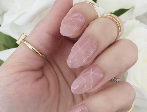 manucure quartz rose